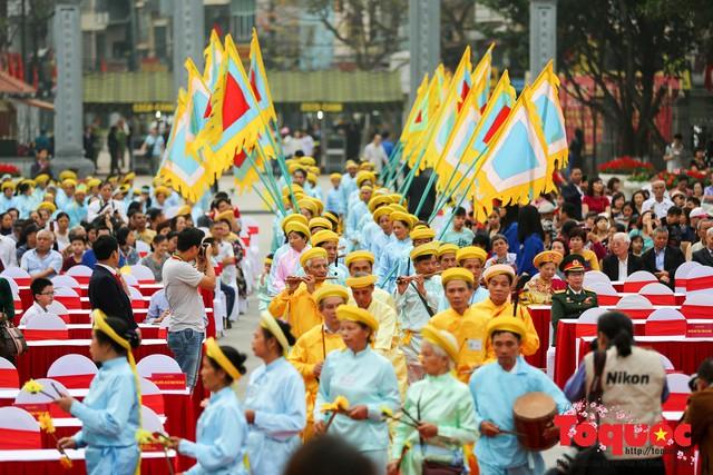 Thủ tướng Nguyễn Xuân Phúc trao Bằng xếp hạng Di tích Quốc gia đặc biệt gò Đống Đa - Ảnh 10.