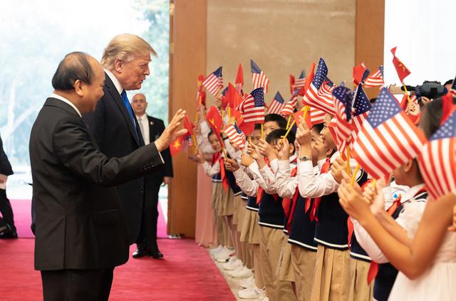 Nụ cười Việt Nam tỏa nắng trong loạt ảnh của phóng viên Nhà Trắng - Ảnh 4.