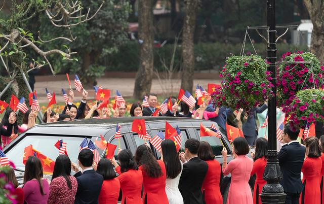Nụ cười Việt Nam tỏa nắng trong loạt ảnh của phóng viên Nhà Trắng - Ảnh 10.