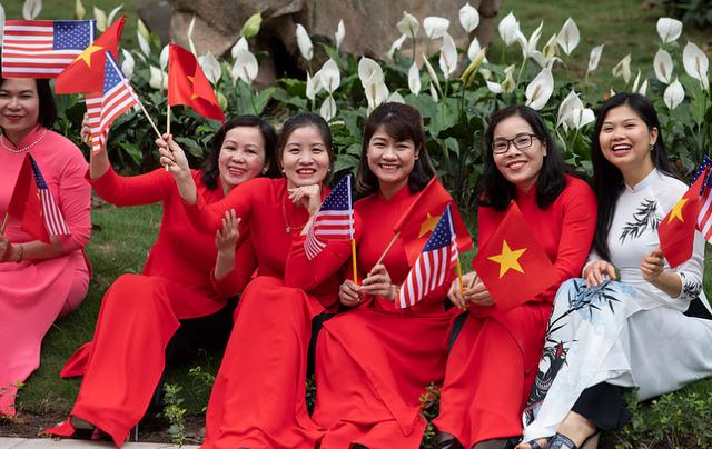 Nụ cười Việt Nam tỏa nắng trong loạt ảnh của phóng viên Nhà Trắng - Ảnh 11.