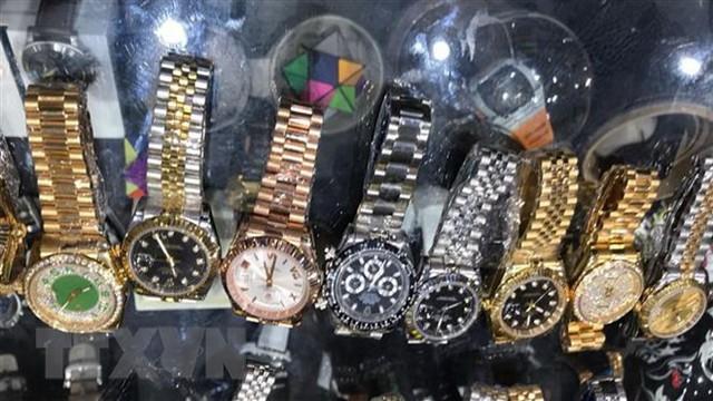 Hải quan xin đấu giá lô 54 đồng hồ nhập lậu trị giá 75 triệu đồng - Ảnh 1.