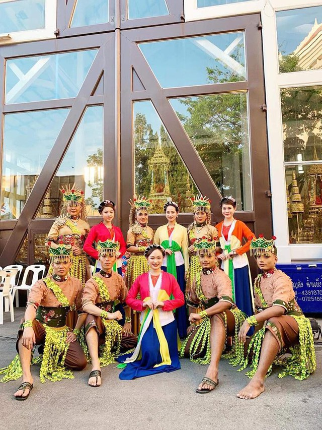Nghệ thuật Việt Nam được bạn bè quốc tế đánh giá cao tại Liên hoan các dân tộc Asean - Ảnh 4.