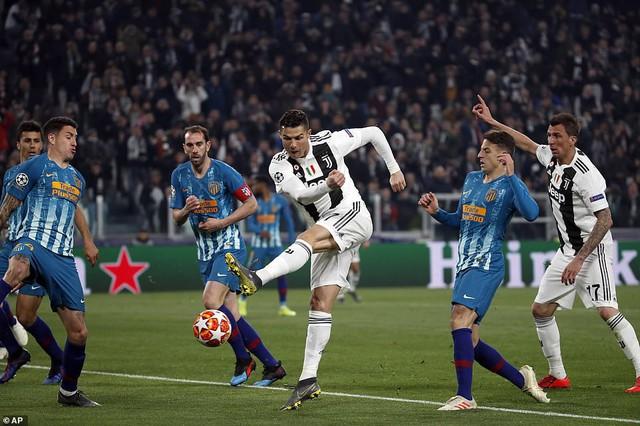 Đây là cách Cristina Ronaldo hủy diệt HLV Atletico Madrid cả trong và ngoài sân cỏ - Ảnh 3.