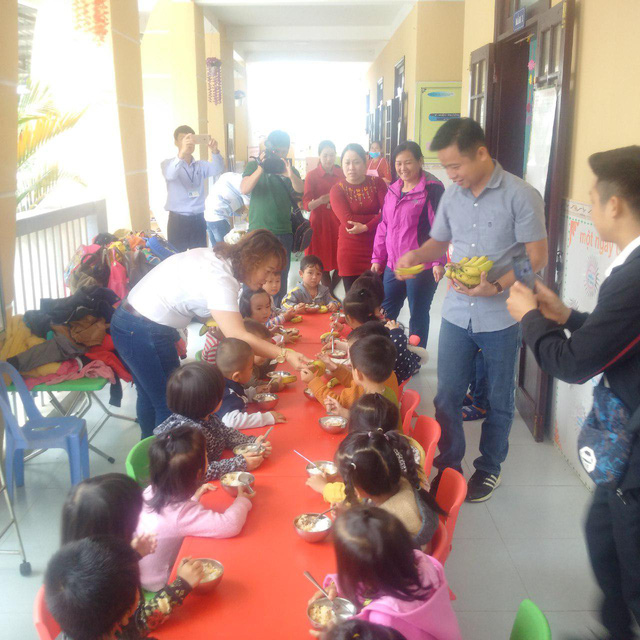 Tặng chuối già lùn cải thiện dinh dưỡng cho 4.400 trẻ em huyện miền núi Thừa Thiên Huế - Ảnh 1.