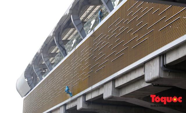 Dự án tai tiếng đường sắt Cát Linh - Hà Đông ngổn ngang, nhếch nhác trước ngày đi vào hoạt động - Ảnh 11.