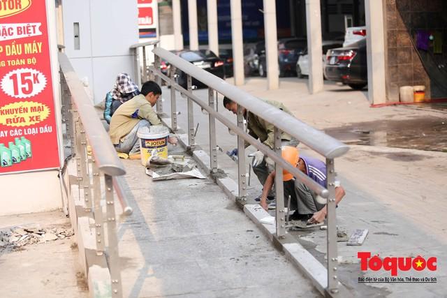Dự án tai tiếng đường sắt Cát Linh - Hà Đông ngổn ngang, nhếch nhác trước ngày đi vào hoạt động - Ảnh 6.