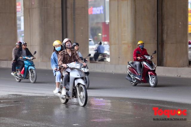 Dự án tai tiếng đường sắt Cát Linh - Hà Đông ngổn ngang, nhếch nhác trước ngày đi vào hoạt động - Ảnh 13.