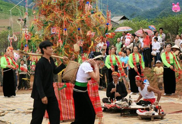 Nhiều hoạt động văn hóa đặc sắc tại Lễ hội Hết Chá Mộc Châu 2019 - Ảnh 1.