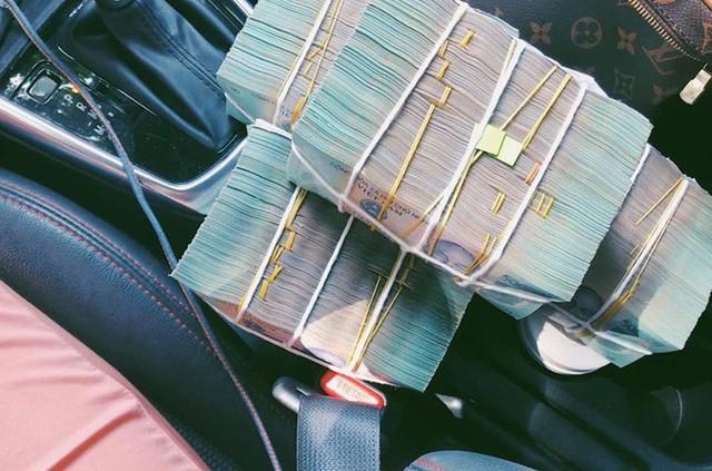 BTV truyền hình mặc trang phục gây sốc: Mỗi tháng kiếm 60 triệu, tự mua ô tô, hàng hiệu đắt tiền - Ảnh 7.
