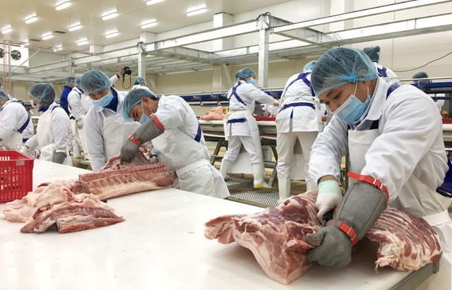 Thịt lợn sạch hút khách - Ảnh 1.