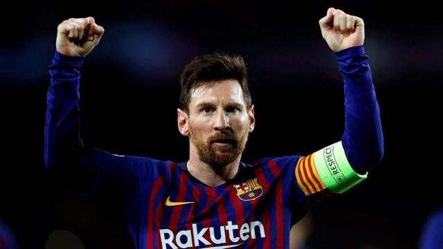 Messi tỏa sáng cho Barcelona nhưng vẫn không ngớt  lời khen  này  dành cho Ronaldo? - Ảnh 1.