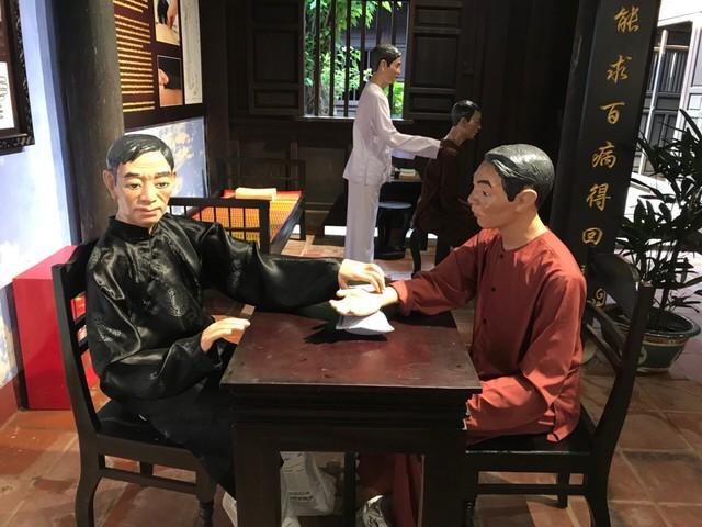 Gần 200 hiện vật trưng bày tại Bảo tàng nghề y truyền thống Hội An - Ảnh 2.