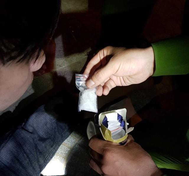 Thuê taxi mang ma túy từ Quảng Nam ra Đà Nẵng - Ảnh 1.