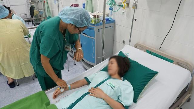 Phát hiện khối u trung thất lớn khi tình cờ khám sức khỏe tổng quát - Ảnh 2.