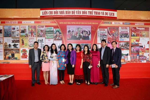 Thủ tướng Nguyễn Xuân Phúc đánh trống Khai mạc Hội báo toàn quốc năm 2019 - Ảnh 13.