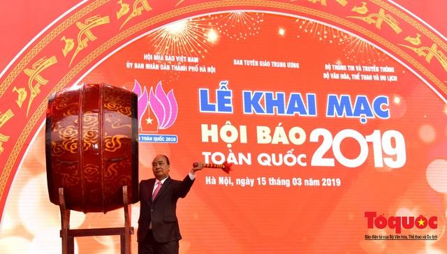 Thủ tướng Nguyễn Xuân Phúc đánh trống Khai mạc Hội báo toàn quốc năm 2019 - Ảnh 3.