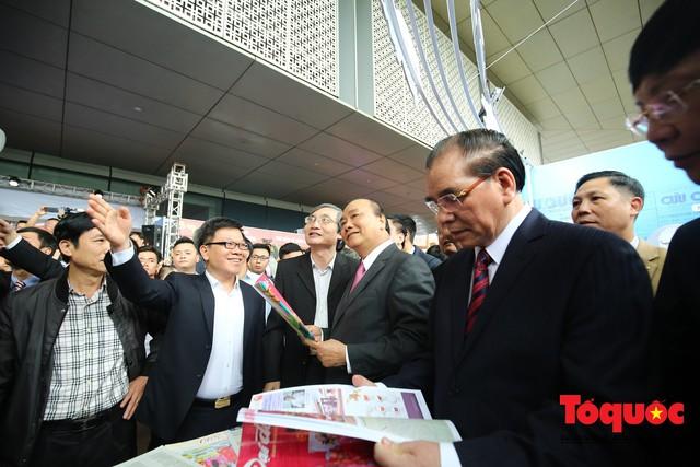 Thủ tướng Nguyễn Xuân Phúc đánh trống Khai mạc Hội báo toàn quốc năm 2019 - Ảnh 11.