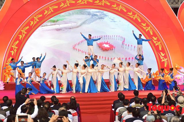 Thủ tướng Nguyễn Xuân Phúc đánh trống Khai mạc Hội báo toàn quốc năm 2019 - Ảnh 15.