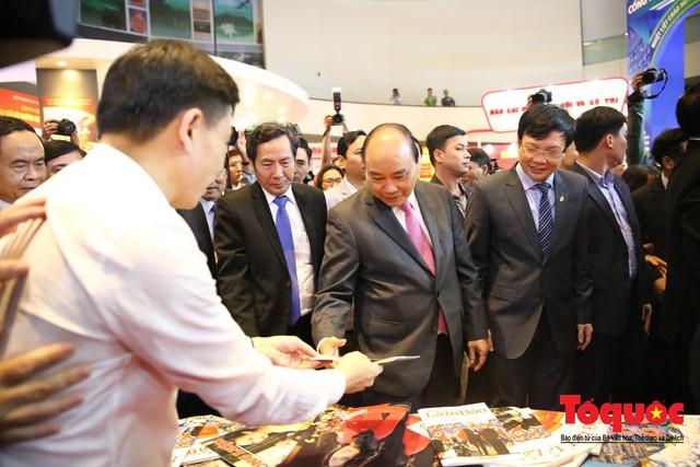 Thủ tướng Nguyễn Xuân Phúc đánh trống Khai mạc Hội báo toàn quốc năm 2019 - Ảnh 10.