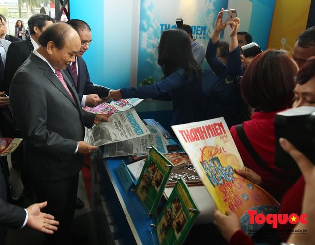 Thủ tướng Nguyễn Xuân Phúc đánh trống Khai mạc Hội báo toàn quốc năm 2019 - Ảnh 9.