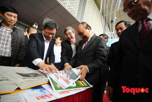Thủ tướng Nguyễn Xuân Phúc đánh trống Khai mạc Hội báo toàn quốc năm 2019 - Ảnh 8.
