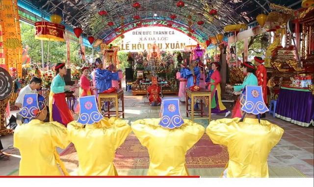 Độc đáo Lễ hội đầu xuân Đền Đức Thánh Cả - Ảnh 1.