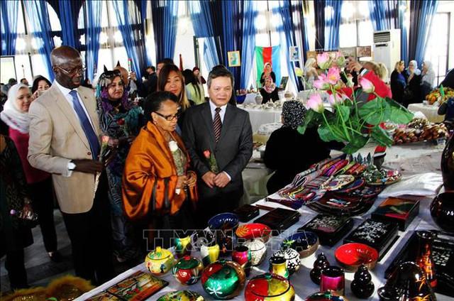 Quảng bá văn hóa và ẩm thực Việt Nam đến với người dân Algeria - Ảnh 1.