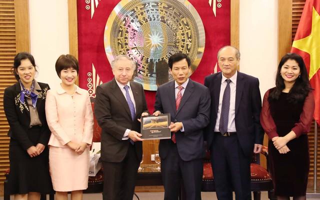Bộ trưởng Nguyễn Ngọc Thiện tiếp tỉ phú Jean Todt -  Chủ tịch Liên đoàn Ô tô Quốc tế - Ảnh 2.