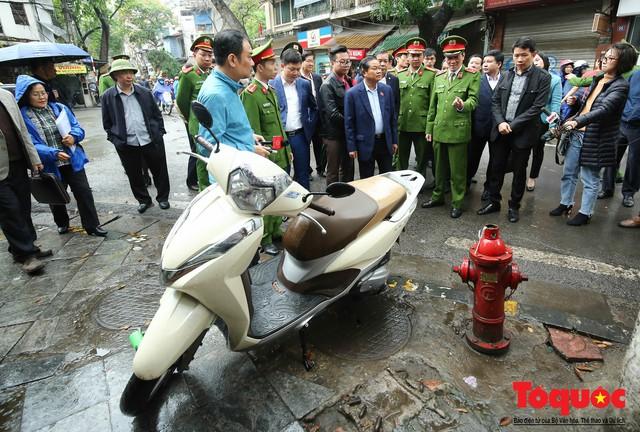 Kiểm tra PCCC phố cổ Hà Nội: An toàn cháy nổ ở mức báo động - Ảnh 11.