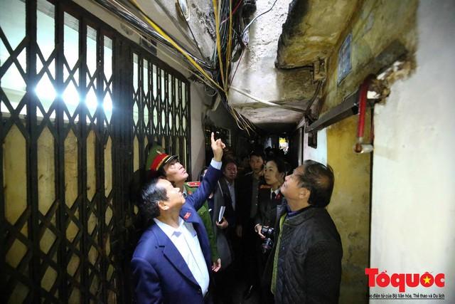 Kiểm tra PCCC phố cổ Hà Nội: An toàn cháy nổ ở mức báo động - Ảnh 9.
