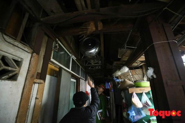 Kiểm tra PCCC phố cổ Hà Nội: An toàn cháy nổ ở mức báo động - Ảnh 14.