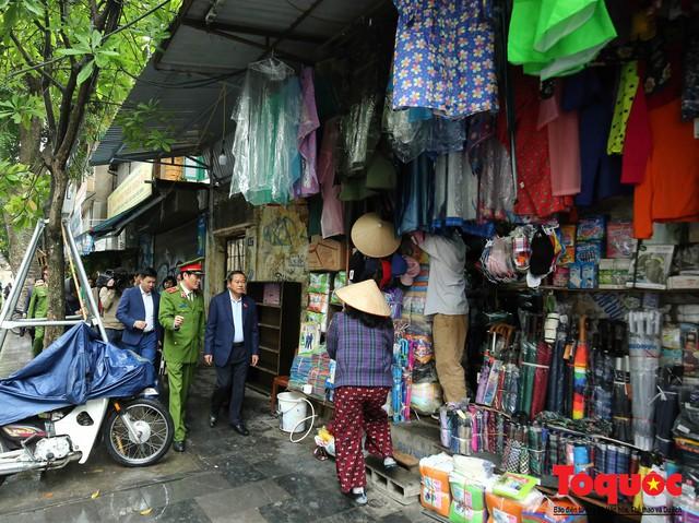 Kiểm tra PCCC phố cổ Hà Nội: An toàn cháy nổ ở mức báo động - Ảnh 2.
