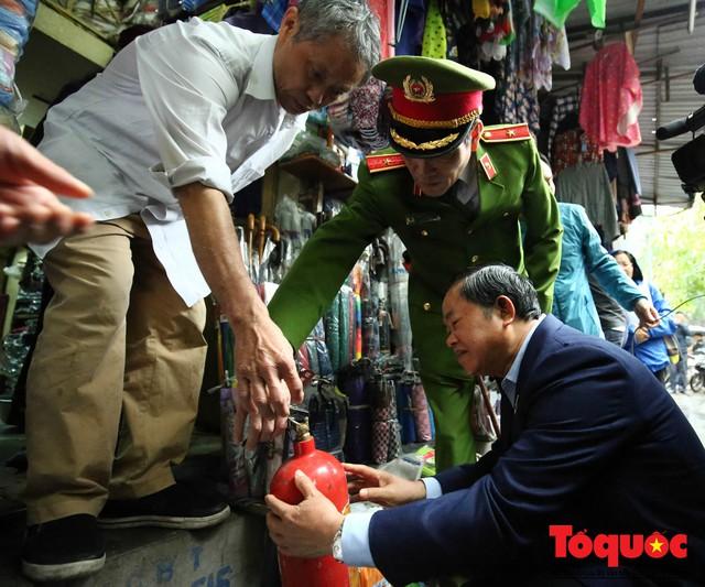 Kiểm tra PCCC phố cổ Hà Nội: An toàn cháy nổ ở mức báo động - Ảnh 5.