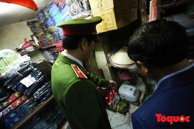 Kiểm tra PCCC phố cổ Hà Nội: An toàn cháy nổ ở mức báo động - Ảnh 3.
