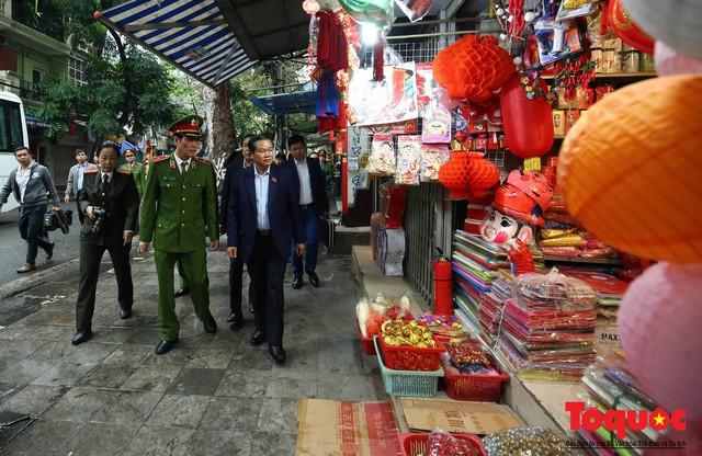 Kiểm tra PCCC phố cổ Hà Nội: An toàn cháy nổ ở mức báo động - Ảnh 1.