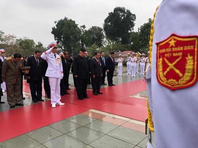Chủ tịch Triều Tiên Kim Jong-un viếng lăng Chủ tịch Hồ Chí Minh - Ảnh 15.