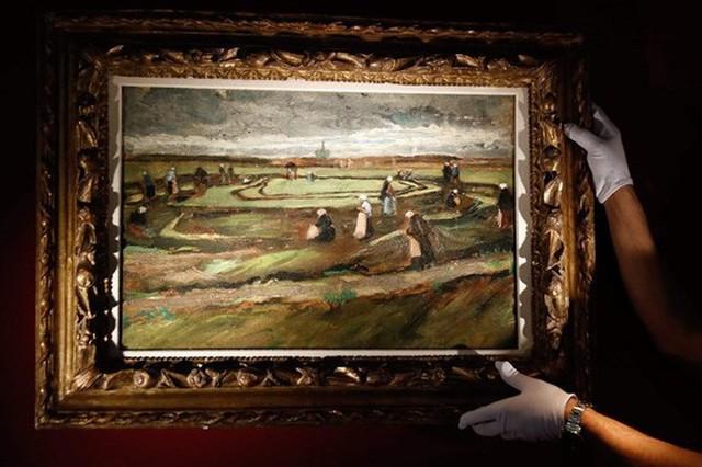 Trưng bày hơn 60 tác phẩm của danh họa người Hà Lan Vicent van Gogh - Ảnh 1.