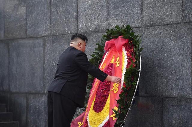 Chủ tịch Triều Tiên Kim Jong-un viếng lăng Chủ tịch Hồ Chí Minh - Ảnh 19.