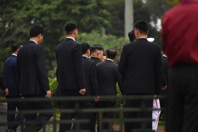 Chủ tịch Triều Tiên Kim Jong-un viếng lăng Chủ tịch Hồ Chí Minh - Ảnh 23.