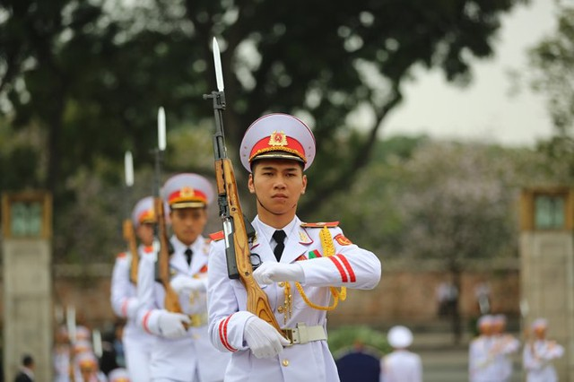 Chủ tịch Triều Tiên Kim Jong-un viếng lăng Chủ tịch Hồ Chí Minh - Ảnh 4.