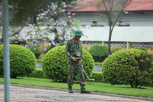 Chủ tịch Triều Tiên Kim Jong-un viếng lăng Chủ tịch Hồ Chí Minh - Ảnh 5.