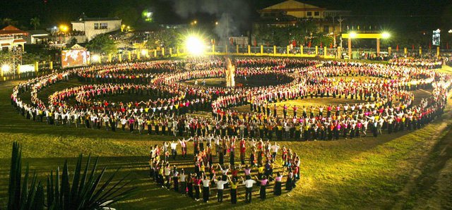 Thủ tướng đồng ý trình UNESCO hồ sơ Nghệ thuật Xòe Thái và Nghệ thuật làm gốm của người Chăm - Ảnh 1.