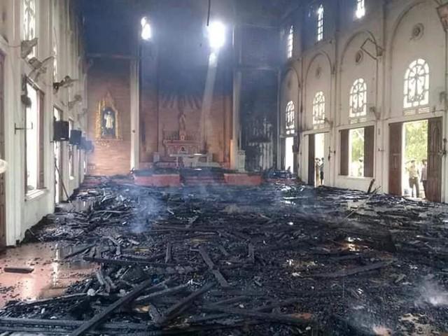 Hà Tĩnh: Cháy lớn ở nhà thờ Công giáo, nhiều tài sản bị thiêu rụi - Ảnh 5.