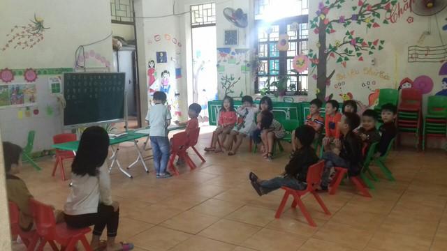 """Vụ hàng trăm học sinh nhiễm sán lợn ở Bắc Ninh: Mặc dù còn nhiều băn khoăn, nhưng """"cũng đành để các con trở lại trường"""" - Ảnh 1."""