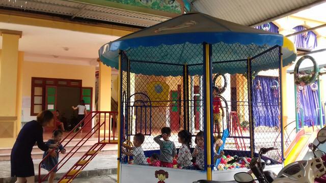 """Vụ hàng trăm học sinh nhiễm sán lợn ở Bắc Ninh: Mặc dù còn nhiều băn khoăn, nhưng """"cũng đành để các con trở lại trường"""" - Ảnh 2."""