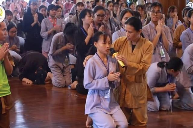 Đội lốt con Phật để reo rắc mê tín, trục lợi, không sợ thần Phật, không có đạo đức lương tâm - Ảnh 2.