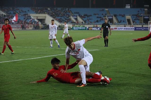 Việt Hưng tỏa sáng, U23 Việt Nam thắng sát nút U23 Indonesia - Ảnh 2.