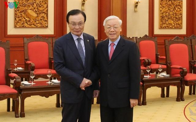 Tổng Bí thư, Chủ tịch nước tiếp đoàn Đảng Dân chủ Đồng hành Hàn Quốc - Ảnh 1.