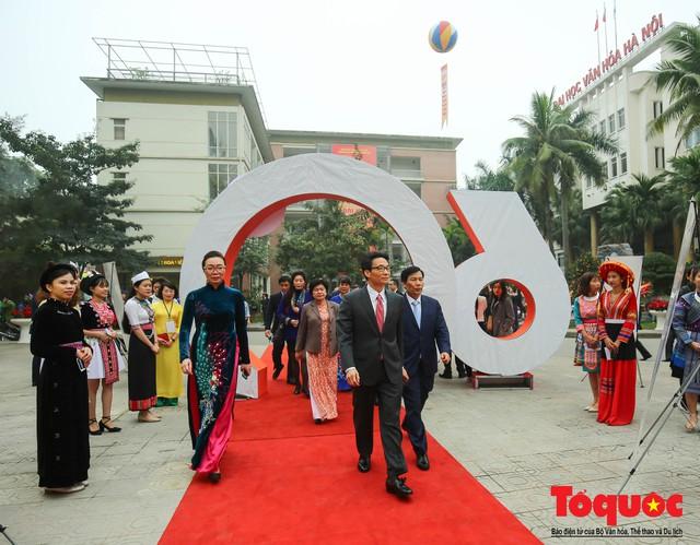 Trường Đại học Văn hóa Hà Nội kỷ niệm 60 năm ngày thành lập và đón nhận Huân chương Lao động hạng Ba - Ảnh 2.