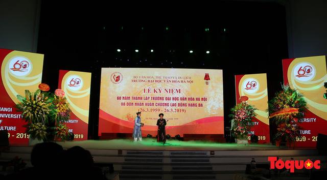 Trường Đại học Văn hóa Hà Nội kỷ niệm 60 năm ngày thành lập và đón nhận Huân chương Lao động hạng Ba - Ảnh 1.